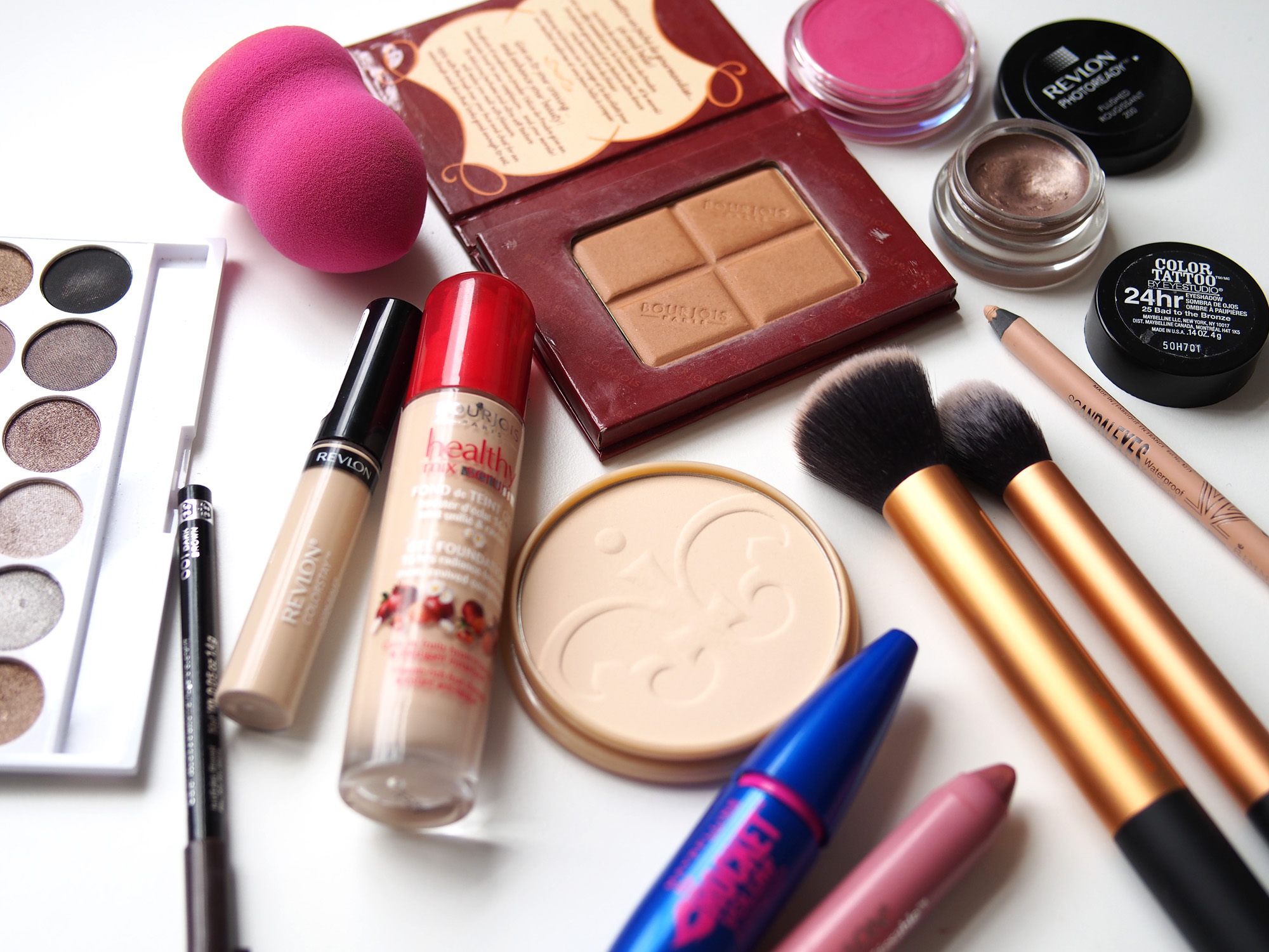 Are You Starting Your Makeup Journey Here Are Some Basics To Get You Going Zeda Magazine